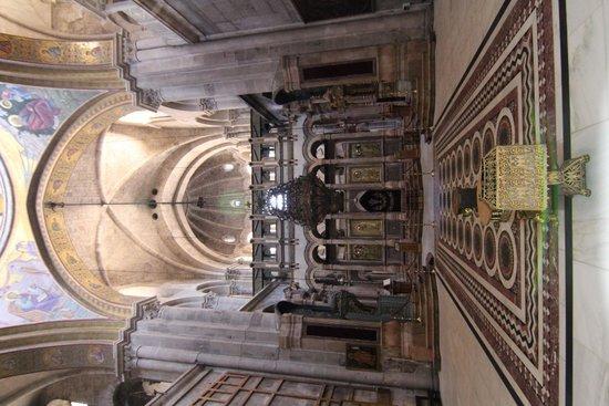 Église du Saint-Sépulcre (Jérusalem) : Пуп Земли