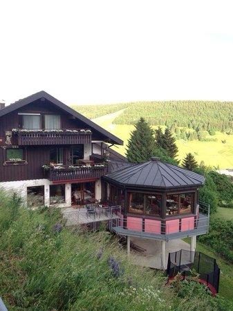Hotel Sonnenalm : Hotel from outside