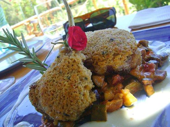 Fraai Uitzicht Restaurant : parmesan crusted lamb chops