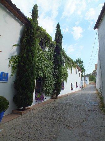 Hotel  Alavera de los Baños: la rue de l'hotel