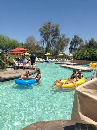 JW Marriott Phoenix Desert Ridge Resort & Spa: winding lazy river