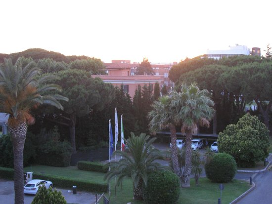 Crowne Plaza Rome - St. Peter's: View from our balcony