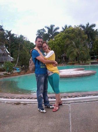 Wiang Indra Riverside Resort: in piscina