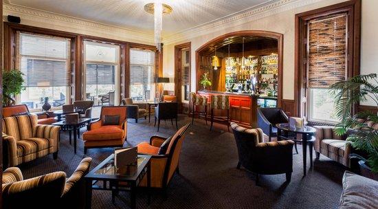 Applegarth Villa Restaurant: Relaxing Bar