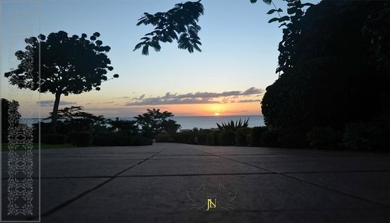 Hideaway of Nungwi Resort & Spa: Sunset from the lobby