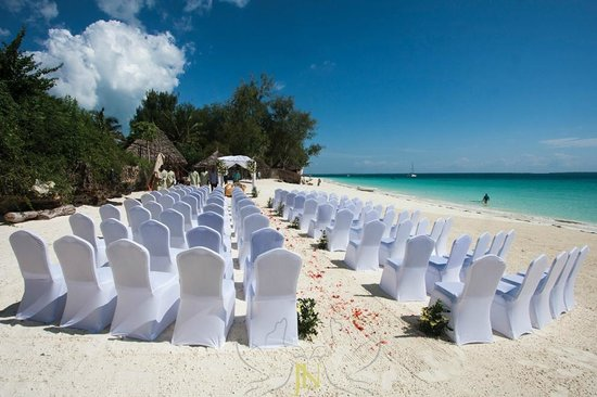 Hideaway of Nungwi Resort & Spa: Wedding at the beach