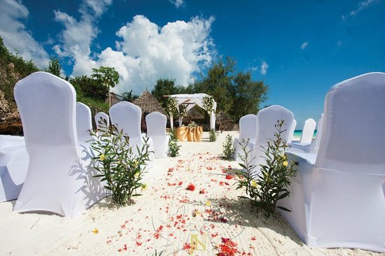 Hideaway of Nungwi Resort & Spa: The wedding alter