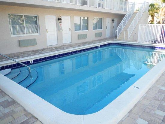 Atlantique Beach House Swiming Pool
