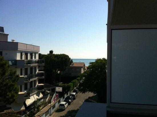 Aurea Hotel Tortoreto Lido: vista dal balcone