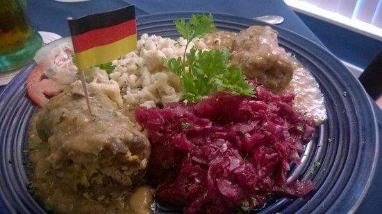Sandra's German Restaurant: ReinsRouladen, Spaetzle, Cabbage