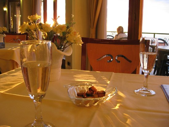 Il Nido Hotel Sorrento: Cortesia no jantar