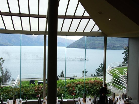 Mercure Resort Queenstown : View from the dining room.