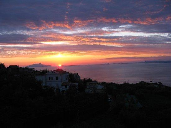 Il Nido Hotel Sorrento: Por do sol visto do restaurante