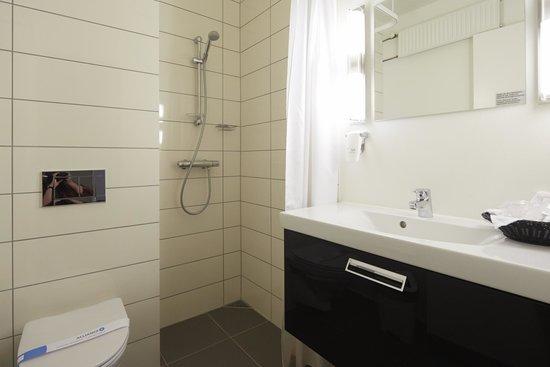 BEST WESTERN Hotel Fredericia: Guest Bathroom
