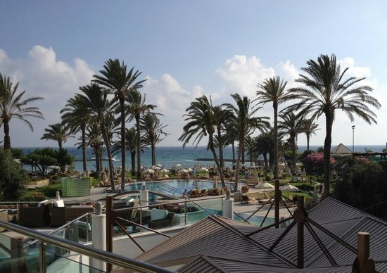Constantinou Bros Asimina Suites Hotel: Pool/sea view from the Reception terrace