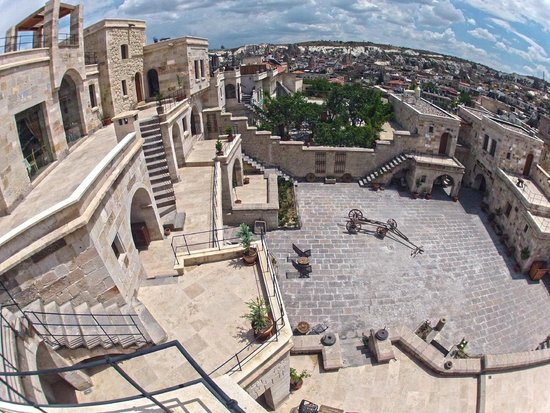 Doors Of Cappadocia Hotel: Vista del Frente