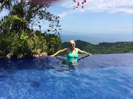 Hotel Villa Caletas : Amazing Views from the Pool
