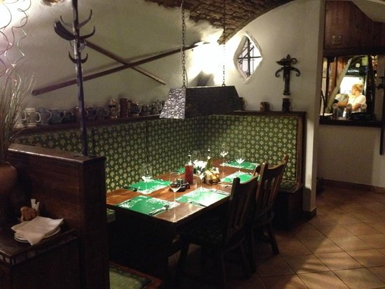 Camelot - medieval restaurant: Table Camelot