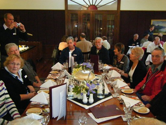 Real Journeys - TSS Earnslaw Vintage Steamship Cruises : Dinner at the station.