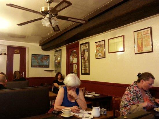 Restauration Viennoise: La salle