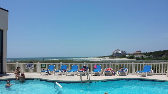 Sands Beach Club Resort: Pool view