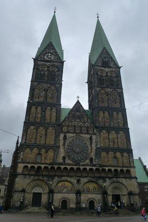 Hôtel de ville de Brême (Rathaus) : Собор Св.Петра