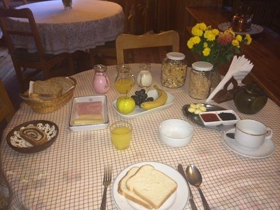 Hosteria Katy: mesa de café.