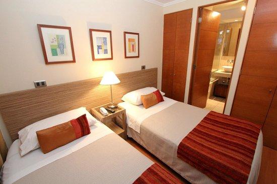 RQ Providencia: Habitación con dos camas