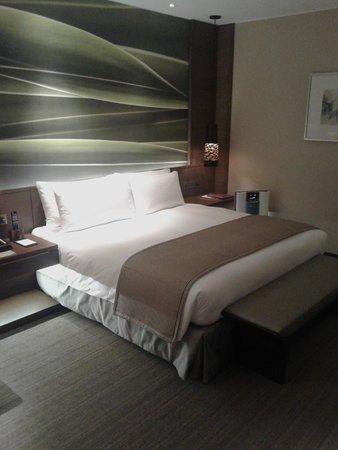 Marco Polo Ortigas Manila : Big comfortable bed