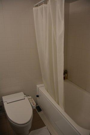 Hotel Wing International Himeji : Salle de bain
