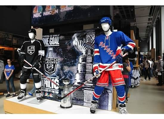 Find fun and functional merchandise in the NHL fan shop. Celebrate the great sport of hockey with fantastic merchandise from the NHL fan shop. Kmart has gear representing the top teams and players across North America.