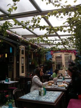 Kapitein Zeppos: the restaurant looks so quirky