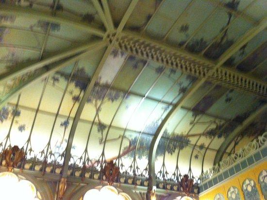 La Fermette Marbeuf: Il soffitto Art Nouveau