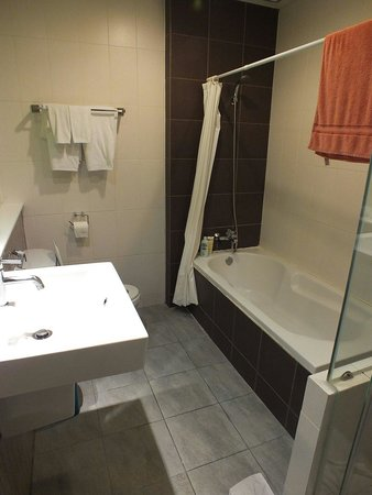 Hotel de Bangkok : Bathroom, spacious