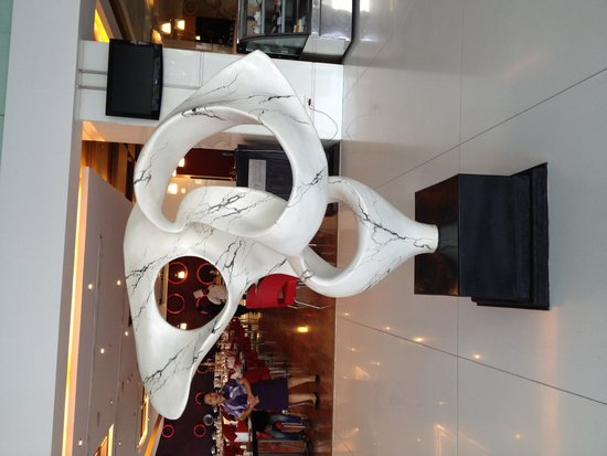 Starottel Ahmedabad: Lobby