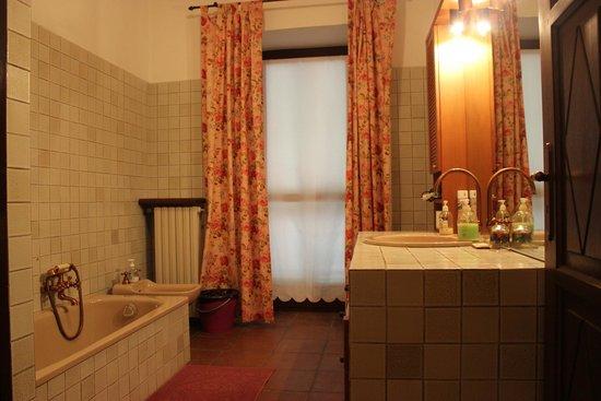 bagno con doccia e vater - Picture of Il Baciass, Pinerolo - TripAdvisor