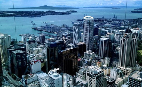 Sky Tower: seascape - the lovely islands