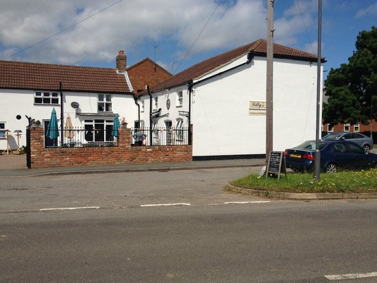 Lilly's Tea Room: From across Yarborough Rd