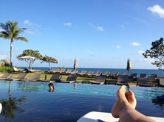 W Retreat & Spa Vieques: Lounge chairs in the infinite pool...great place for a nap
