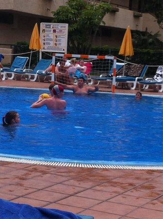 Hotel Labranda Isla Bonita: Waterpolo time