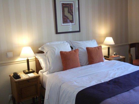 Hotel Brighton - Esprit de France: Very comfortable room