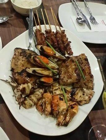 Mesa, Filipino Moderne: platter