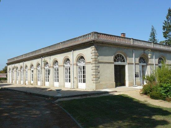 Musée/Centre d'Art du Vere : vue extérieure du musée, au domaine de la Verrerie