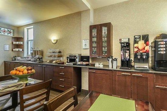 Hotel Chateau Bellevue: Salle petit-déjeuner - breakfast room
