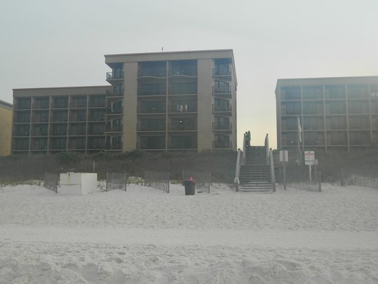 Wyndham Garden Fort Walton Beach Destin: Shot from the beach