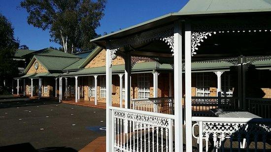 Quality Inn Penrith: A quaint little verandah outside our room