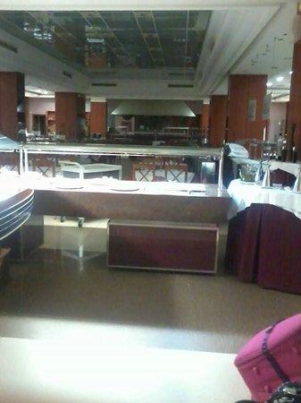 4R Regina Gran Hotel: buffet restaurant