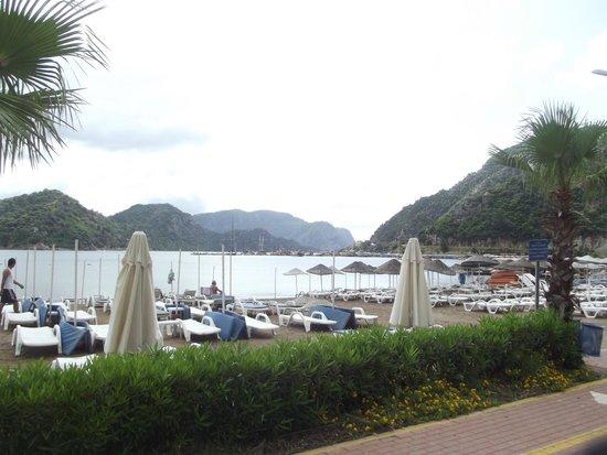 Munamar Beach Hotel: view of the beach