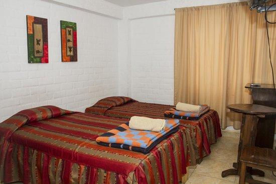 Magdalen House: Habitación perfecta para dos personas. Cuenta con camas de plaza y media cada uno; baño privado.