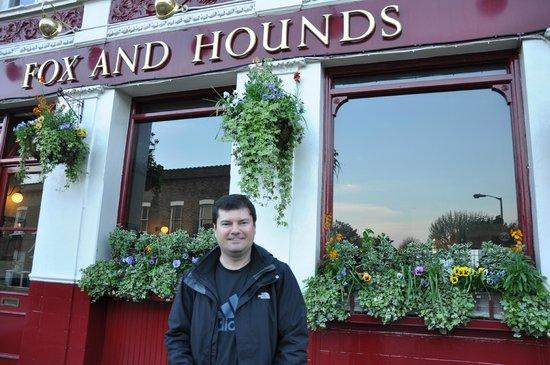 Fox & Hounds: fachada